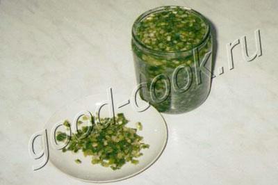 засолка зелени (перья чеснока, укроп, петрушка)