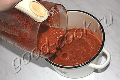 салат из зеленых помидоров в соусе из болгарского перца