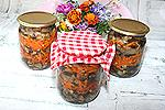 консервированная закуска из печёных баклажанов с морковью