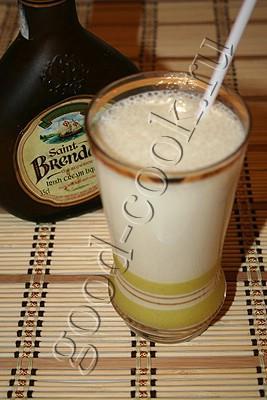 банановый коктейль со сливочным ликером