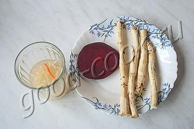 розовый соус из хрена с капустным рассолом
