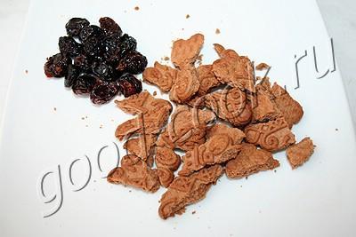 творожный десерт с печеньем и ореховым пралине