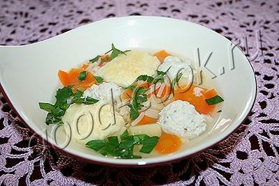 суп с куриными и сырными клёцками