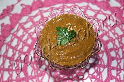 соус из печеных томатов, зелени и чеснока