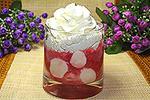 десерт из моцареллы в клубничном соусе