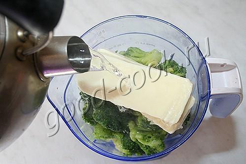 сырный суп-пюре с курицей и брокколи