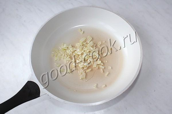 суп с солёными грибами и рисом