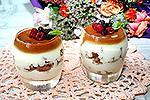 сметанный десерт с карамелью