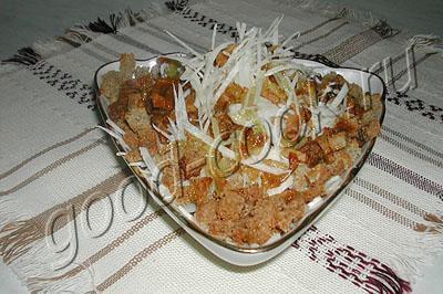 салат из редьки со шкварками