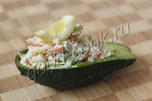 салат из авокадо и кураги