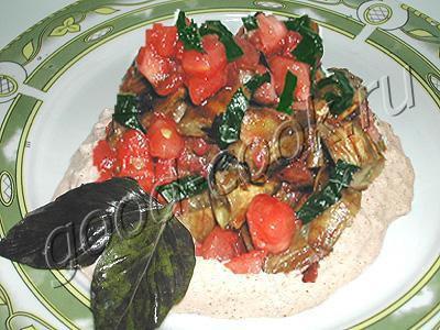 баклажановый салат с ореховым соусом