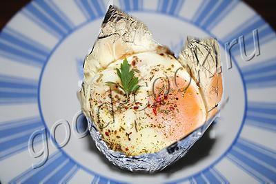 яйцо в чашечке