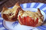 слоеные чашечки с помидорами