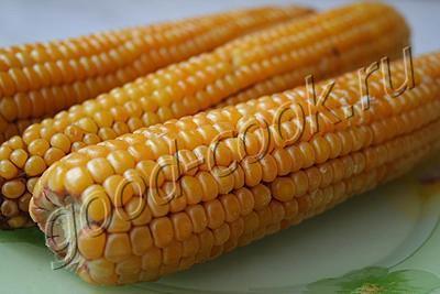запеченные початки кукурузы