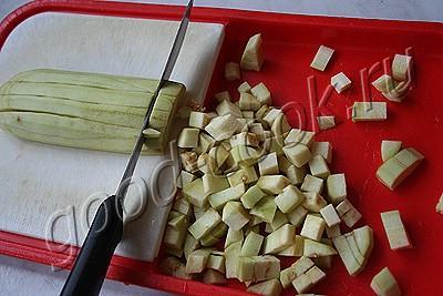баклажановый салат с орехами и сметаной