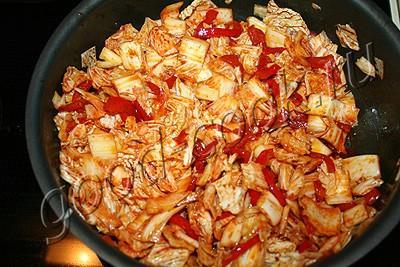 пряный салат из капусты и болгарского перца