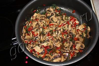 пряная закуска из шампиньонов с болгарским перцем