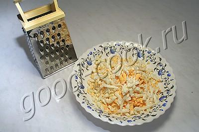 """салат """"Волгоградский"""" из курицы с орехами"""