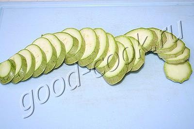 кабачковые дольки с сырной корочкой