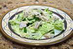 салат из капусты, огурца и курицы