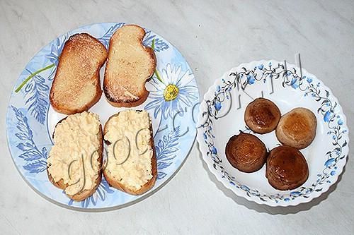 сэндвичи с яичным салатом и грибами