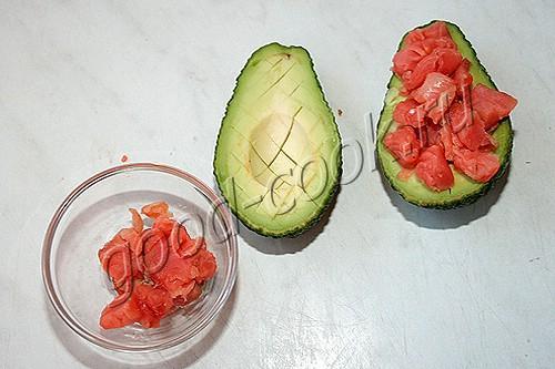 закуска из авокадо с рыбой