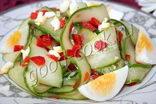 летний огуречный салат