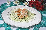 огуречно-капустный салат с жареной курицей