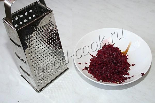 закусочный маринованный лук со свёклой