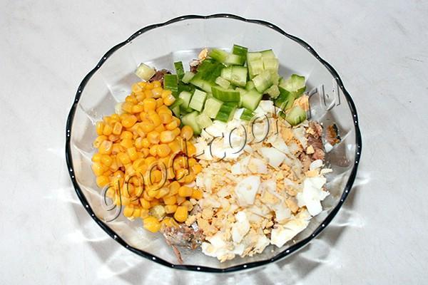 яичный салат с сайрой