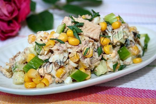 Салат из сайры и яиц слоями