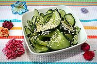 салат из свежих огурцов по-немецки