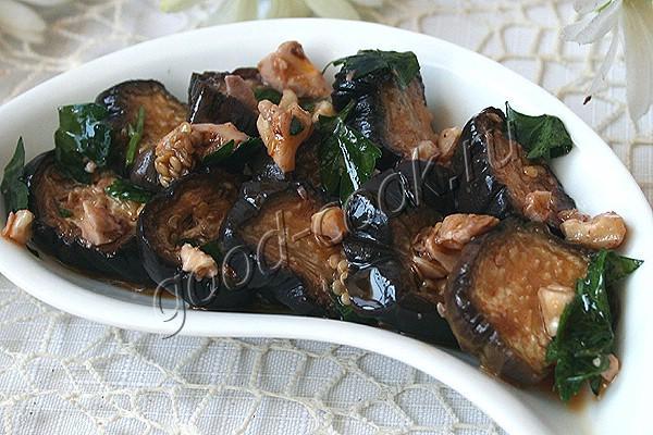 печёные баклажаны в ореховом соусе