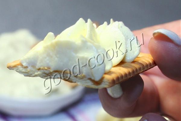 яичный паштет с творожным сыром