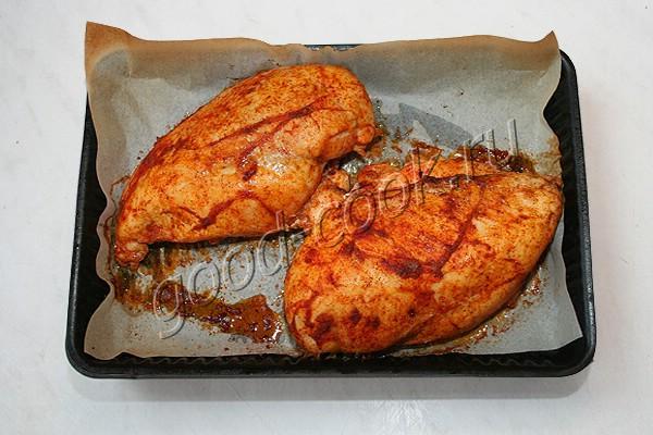 запеченная куриная грудка (под пасторму)