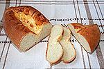 батон с сырной полоской