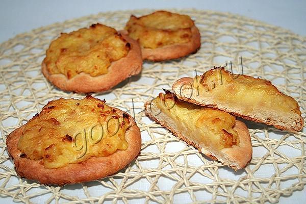 сметанные лепёшки с картофельным пюре