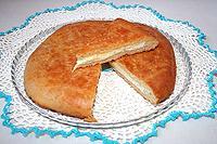 пирог из фасолевого теста с двумя видами сыра