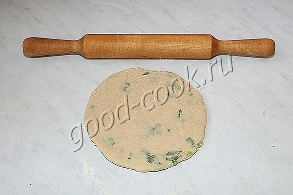 кручёная лепёшка с сыром и зеленью