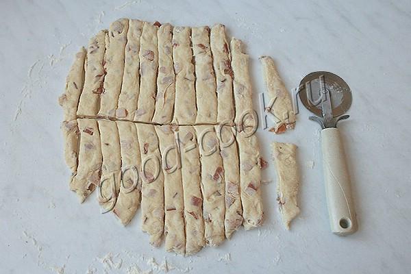 палочки из сметанного теста с копчёной курицей (вариант №2)