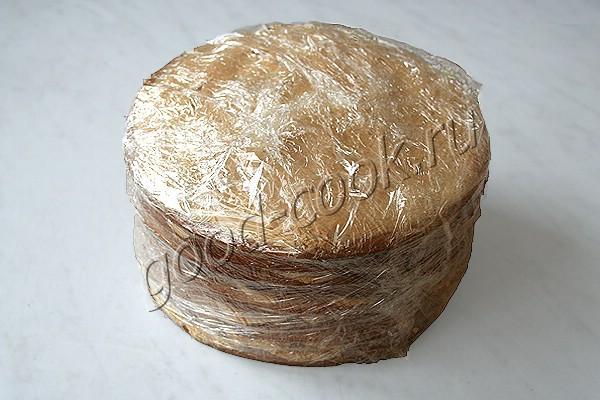 """торт """"Медовик"""" с кремом на варёной сгущёнке"""