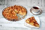 яблочный пирог с конфетами Коровка