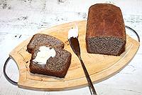 Тёмный маковый хлеб