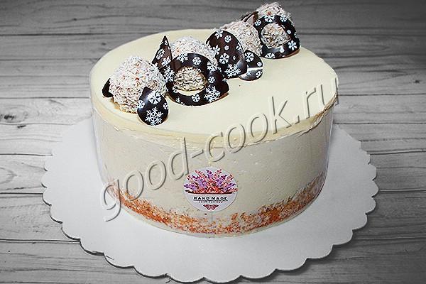 муссовый торт с фундуком, хрустящим слоем и шоколадным кремом