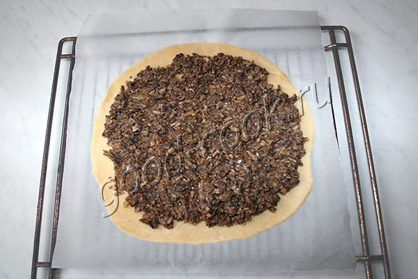 постный открытый грибной пирог