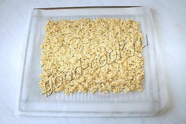 хрустящие кубики с кремом и арахисом