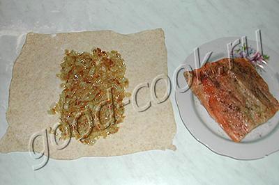 пирог с луком и рыбой