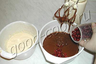 двухцветный кекс с клюквой