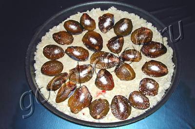 рассыпчатый творожный пирог со сливами