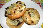 слоеные завитки с грибами и сыром